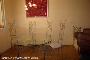 Table and chairs 3000 EUR
